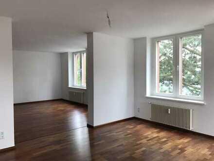 Stilvoll sanierte 3 Zimmer Whg. mit Blick in kleiner Villa DD- Loschwitz