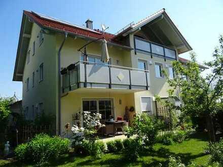Wohnen mit Niveau: Attraktive Maisonette-Wohnung mit EBK und Einzelgarage