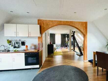 große helle DG-Wohnung im Herzen von Hessisch Oldendorf / 4 Zimmer Wohnung / ab 01.10.2020