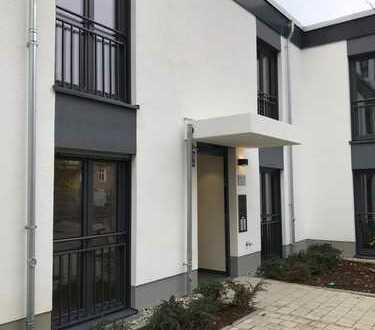 Erstbezug: schöne 3-Zimmer-Wohnung mit Einbauküche und Balkon in Milbertshofen, München