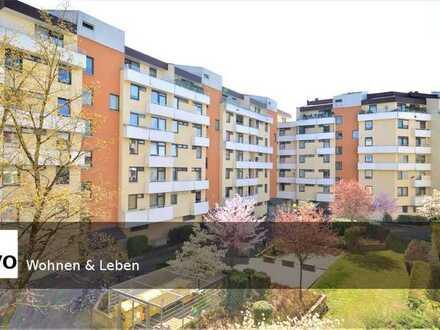 Zentrale Lage! Großzügige 4 Zimmer Wohnung mit zwei Balkone + TG-Stellplatz!