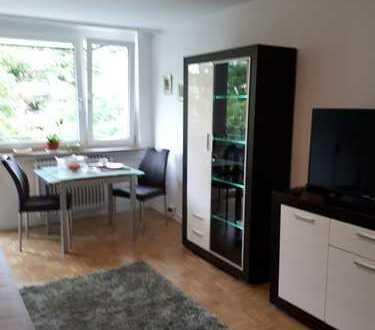 Schwabing, modern möblierte, sonnige 1-Zimmer-Wohnung mit Balkon