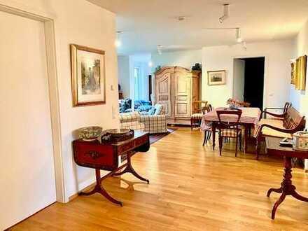 Luxuriöse, neuwertige 4 Zimmer Wohnung mit Aufzug am Festspielhügel