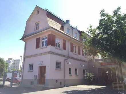 Charmantes Bürohaus mit Dachterrasse
