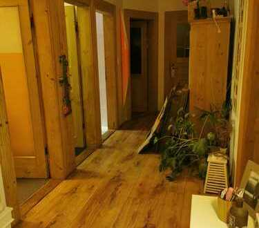 Attraktive 4-Zimmer-Wohnung mit kl. Balkon in Nürnberg