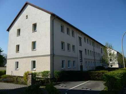 4-Raum Whg. mit Bodenbelag, Stellplatz und gepflegtem Wohnumfeld