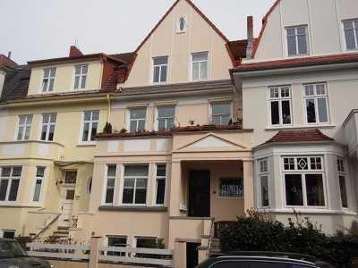Stilvolle, modernisierte 1-Zimmer-Wohnung mit EBK und teilmöbliert im Gete Viertel in Bremen