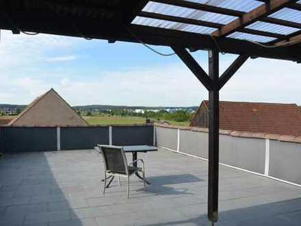 3 Zimmer Dachgeschoss - Wohnung mit großer Dachterrasse