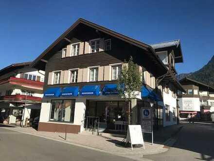Rarität und einmalige Chance: Wohn- und Geschäftshaus inmitten der Oberstdorfer Fußgängerzone