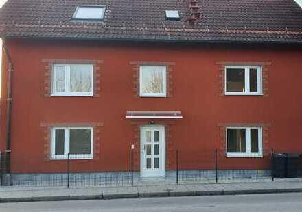 Schöne Erdgeschosswohnung mit drei Zimmern in Erding (Kreis), Oberding