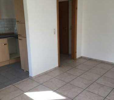 Vollständig renovierte 2-Zimmer-Wohnung mit Einbauküche in Unterdießen