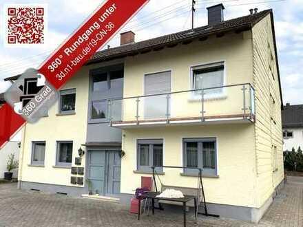 Helle Dachgeschosswohnung in kleiner Wohneinheit mit toller Raumaufteilung und zwei Garagen