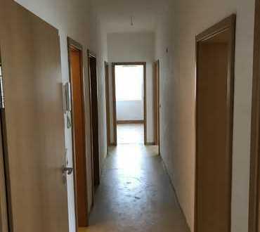 4-RAUMWOHNUNG 88,5qm saniert mit zwei Kinderzimmern in Oelsnitz