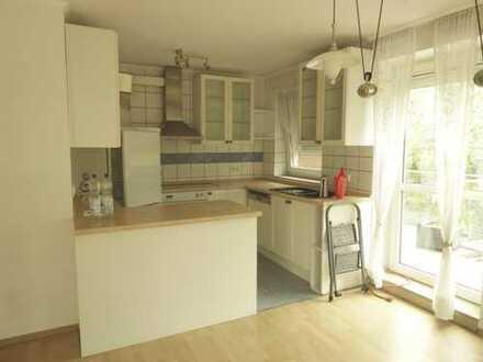 Belle Etage mit terrassenartigen Balkon 3 Zimmer-ETW in Garbsen-Mitte mit offener Küche, Kaminofen