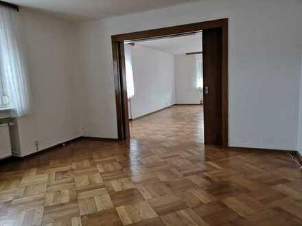 Großzügige 5-Zimmer-Wohnung in gepflegtem Altbau-Haus (Nähe Klinikum Marktredwitz)