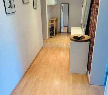 Helle 3-Zimmer-Wohnung mit Balkon in Offenbach