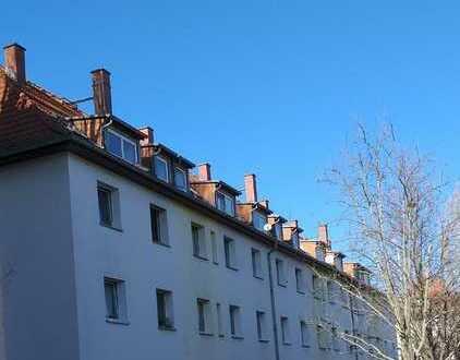 LEIPZIG- PAUNSDORF - Sanierte 2-Raum-ETW im DG eines gepflegten Mehrfamilienhauses - VERMIETET -