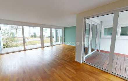 Aufzug, Parkett, Balkon & Terrasse - 3-Zimmerwohnung an der Warnow