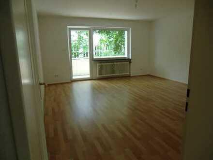 Sanierte 2-Zimmer-Wohnung mit Balkon und EBK in Wiesbaden