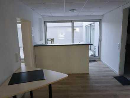 ARNOLD-IMMOBILIEN: Bürofläche über 2 Ebenen - teilbar