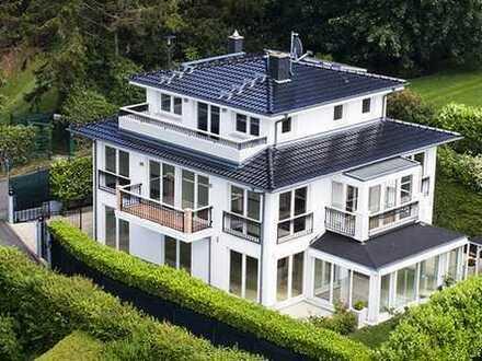 Einzigartige Villa mit grandiosem Weitblick und Technik-Features in Königstein/Taunus Toplage