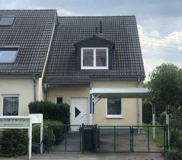 Schönes Haus mit vier Zimmern in Berlin, Marzahn
