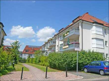 Gartenstadt Haan. Attraktive 2-Raum-Wohnung mit Terrakottafliesen und Balkon in Sonnenlage.