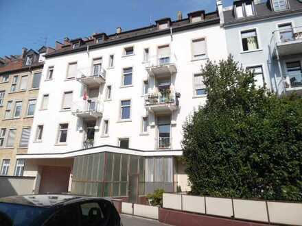 STUDENTEN-WG!!! Vollständig renovierte 3-Zimmer-Wohnung mit EBK in Karlsruhe UNI-NÄHE