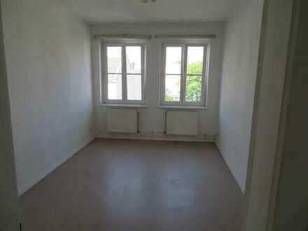 Wohnung in gefragter Kiezlage / Wintergarten / weitere 2 und 3 Zimmerwohnungen auf Anfrage