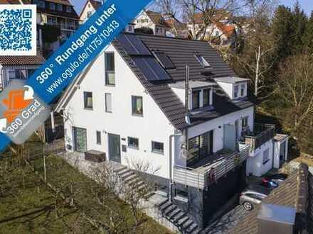Neuwertige moderne Doppelhaushälfte mit Doppelgarage im Haus
