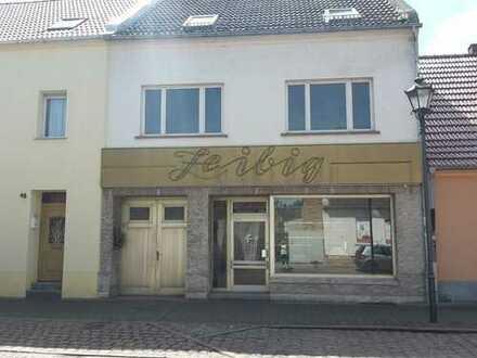 Wohnhaus mit Ladenlokal (ehem. Fleischerei) in Aken zu verkaufen