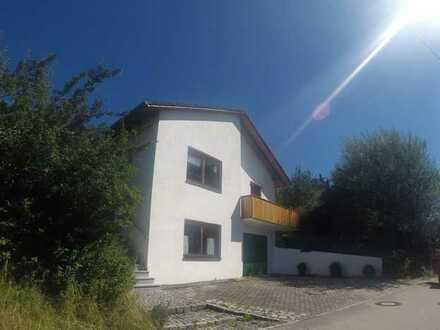 Einfamilienhaus mit Garten, großer Garage/Werkstatt und Außensauna