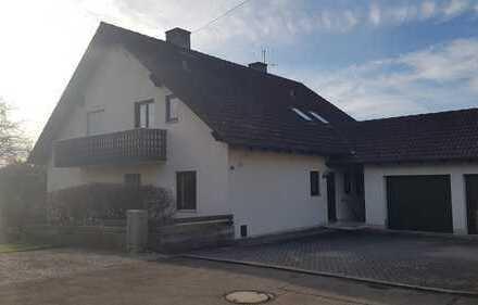 Ansprechende 6-Raum-Wohnung mit EBK und Balkon in Neuburg