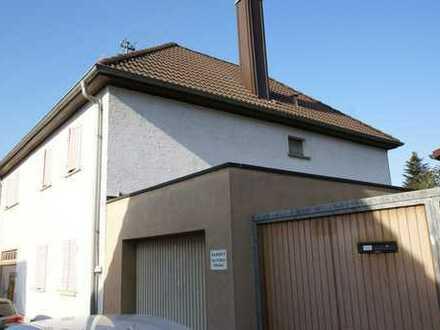 Charmantes Einfamilienhaus in gutem Zustand und ein kleines Haus zum Vermieten