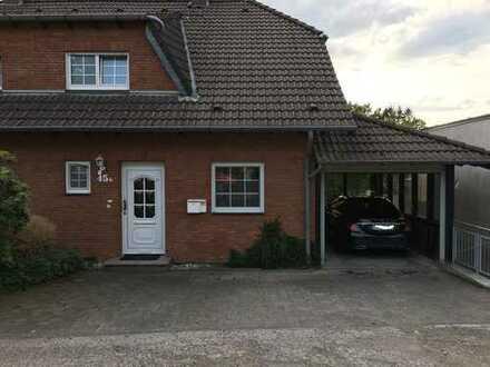 Modernes Backsteinhaus im Grünen in Wermelskirchen
