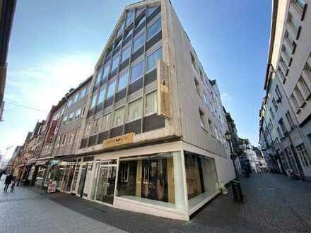 Eckladen-lokal in hoch frequentierter Einkaufsstraße zu vermieten!