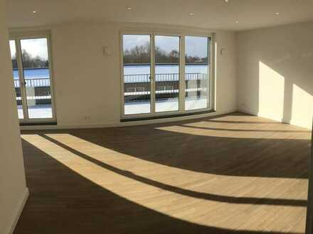 Moderne, neuwertige 4-Zimmer-Penthouse-Wohnung, Dachterrasse und EBK in Hamburg-Osdorf