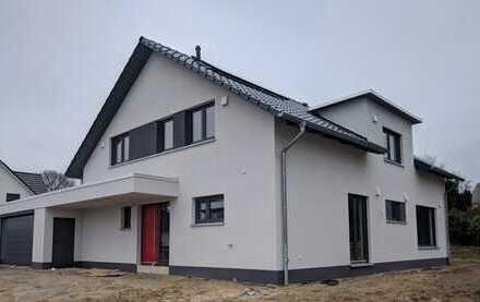 Neugebautes, geräumiges Haus mit sechs Zimmern in gehobener Ausstattung in Braunschweig-Waggum