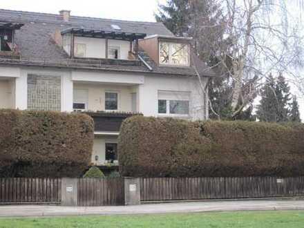 Schönes, helles 3-Zimmer-Dachatelier direkt am Ostpark