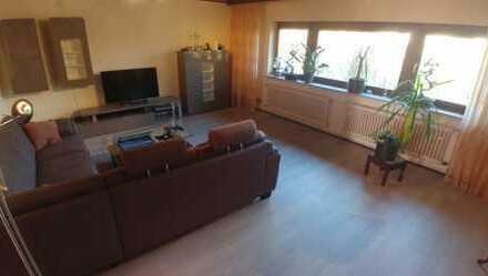 Modernisierte 4-Zimmer-Wohnung auf 2 Etagen mit Balkon in Mannheim