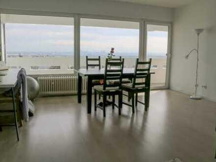 2Zi-Wohnung mit Balkon und Einbauküche in Oberursel