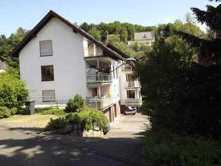FEST RESERVIERT!!! 2-Zi-Wohnung mit überdachtem Balkon und Garage in Siegen-Achenbach