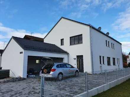 Kösching, schöne Doppelhaushälfte in ruhiger Wohnlage , Neubau