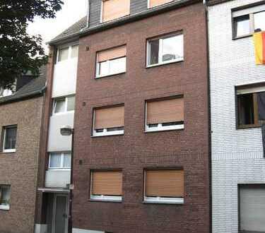 Gepflegte, helle 3,5-Zimmer-Wohnung mit Balkon in Duisburg - Laar