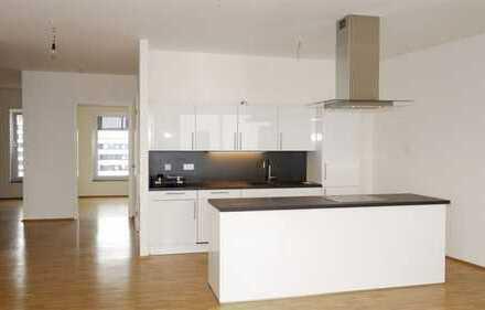Penthouse + 3 Zimmer Neubau + Fußbodenhzg. + Parkett + EBK + Sonnenterrasse