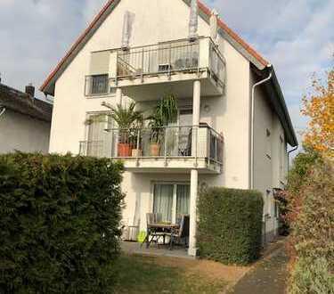 Zentral gelegene 4 Zimmer-Dachgeschosswohnung mit Gartenanteil in Rüsselsheim