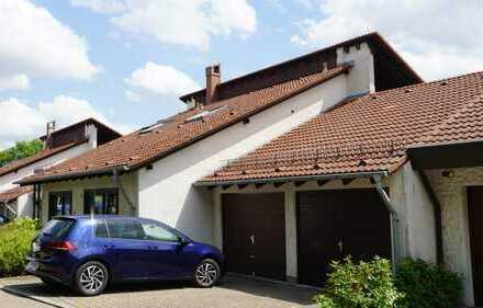 Extravagante 2,5-Zimmer-DG-Wohnung mit großem überdachtem Balkon in bevorzugter Lage in Ulm