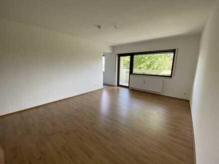 Helle 1ZKB-Wohnung mit Ausblick ins Grüne, plus Stellplatz und Keller