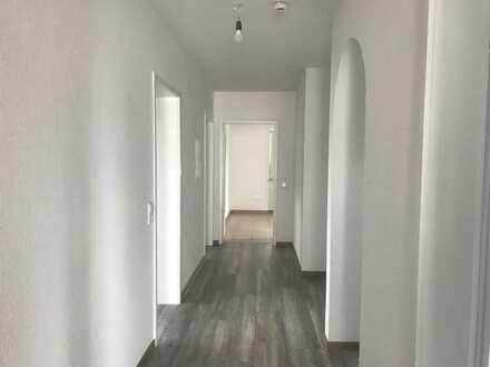 Erstbezug nach Sanierung mit EBK und Balkon: Schöne 5-Zimmer-Wohnung in Ulm-Donaustetten