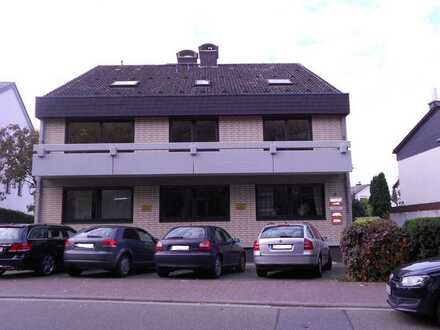 Kleine Dachgeschoss-Wohnung